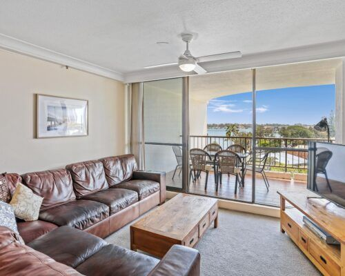 surfer-paradise-resort-standard-apartments (1)