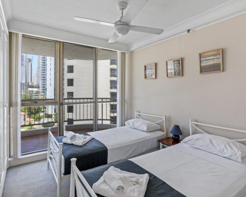 surfer-paradise-resort-standard-apartments (4)